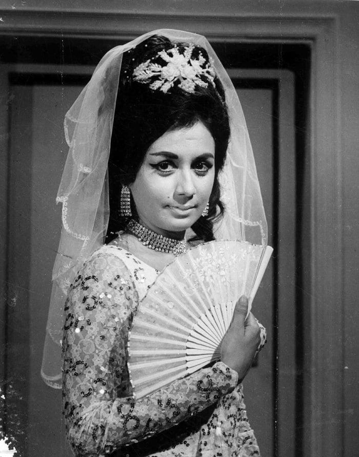 remembering nanda the broken star of bollywood