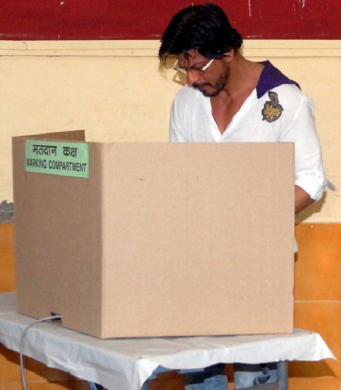 shah-rukh-khan-voted