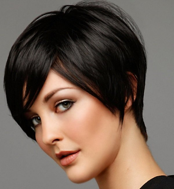 The bobs have always been in fashion, as they are extremely versatile