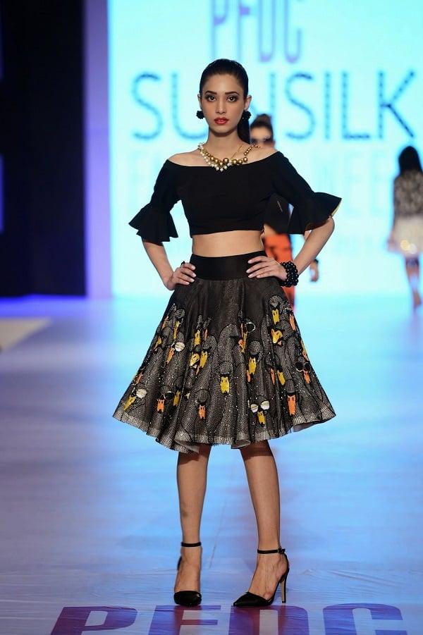 PFDC-sunsilk-fashion-week-Elan-crop-top