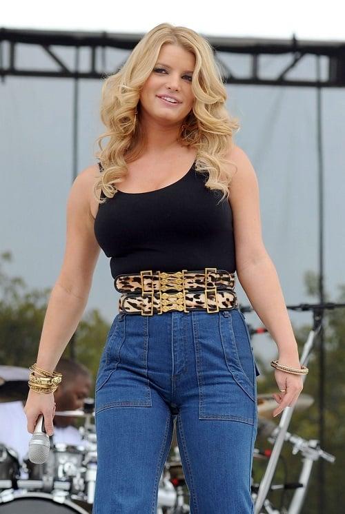 High Waist Mom Jeans Fashion of 80s