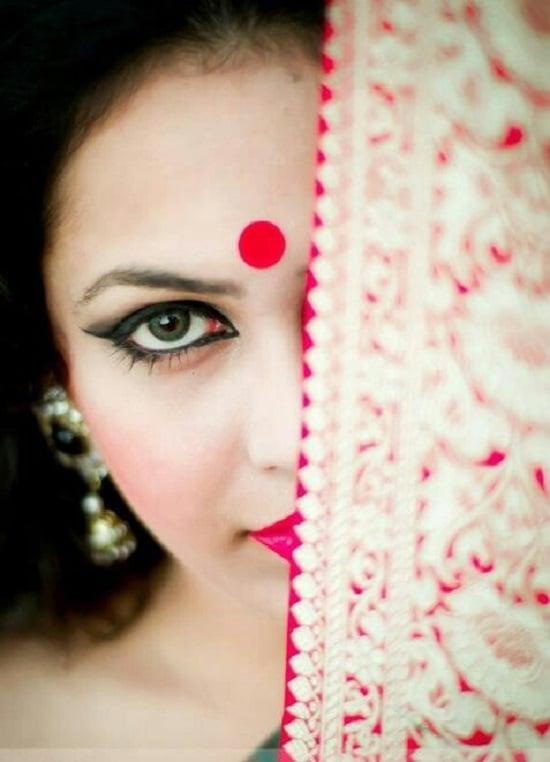 red bindi significance