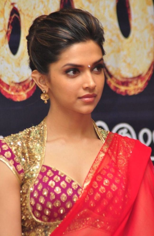 15 Trendy Hairstyles Inspired By Deepika Padukone