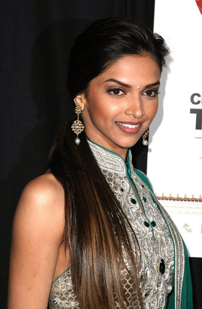 Hairstyles For Long Hair On Saree : 15 trendy hairstyles inspired by deepika padukone