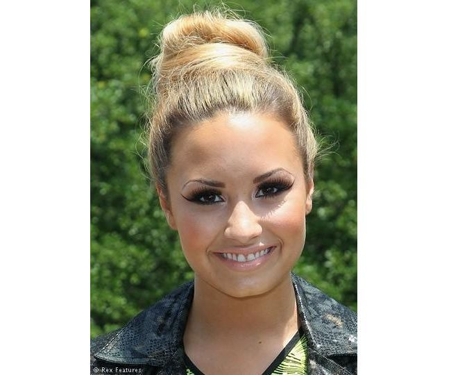 Demi Lovato Inspired Messy Bun