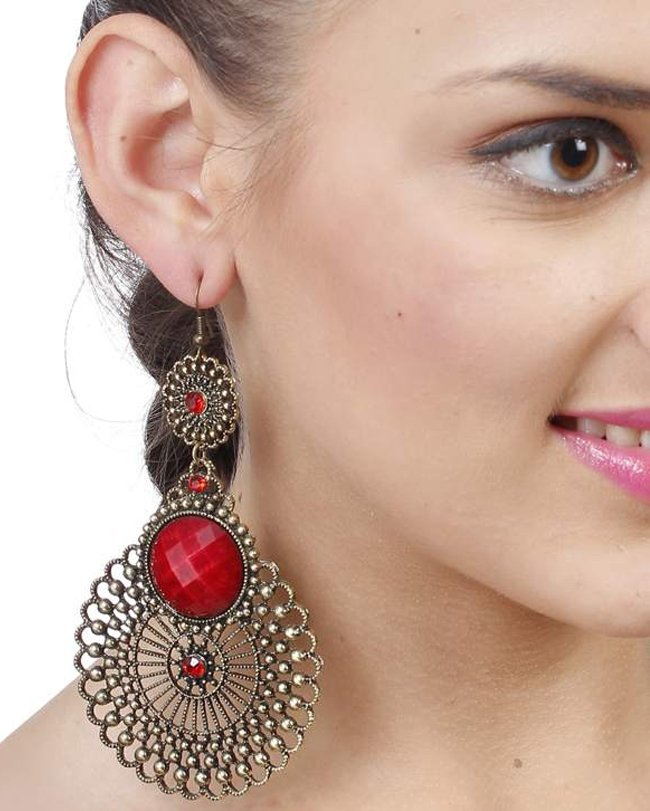 10 Different Styles Of Fashion Earrings Every College