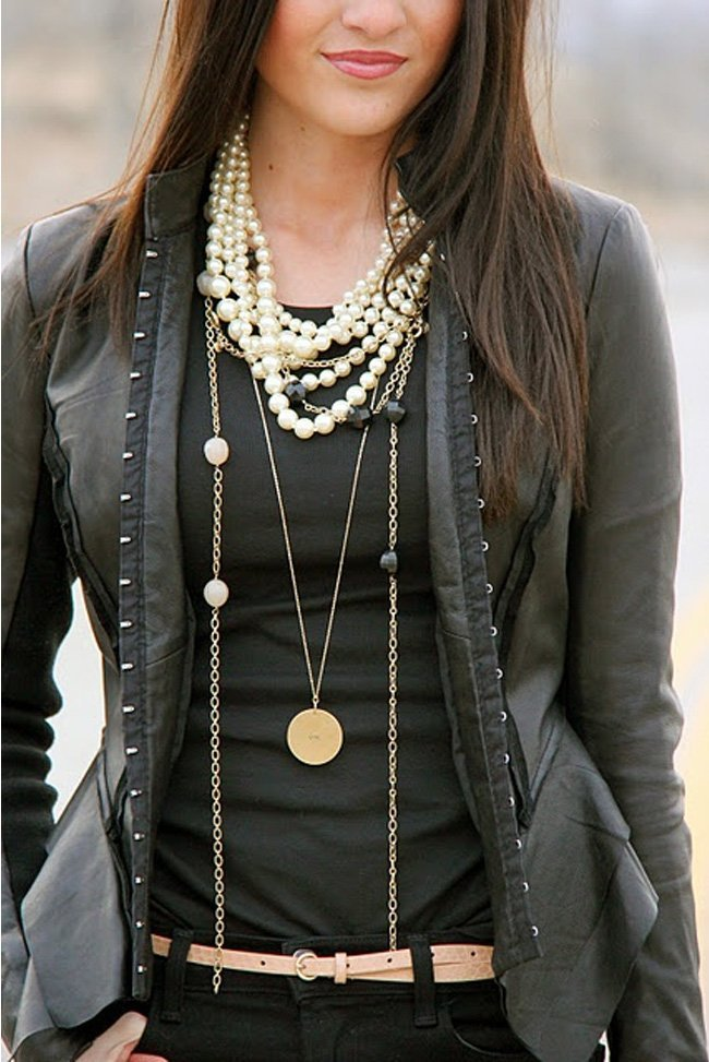 High fashion street look pearl jewelry