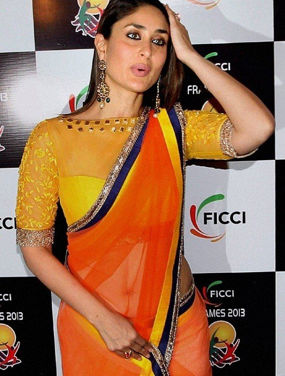 Kareena Kapoor Blouse Design 4