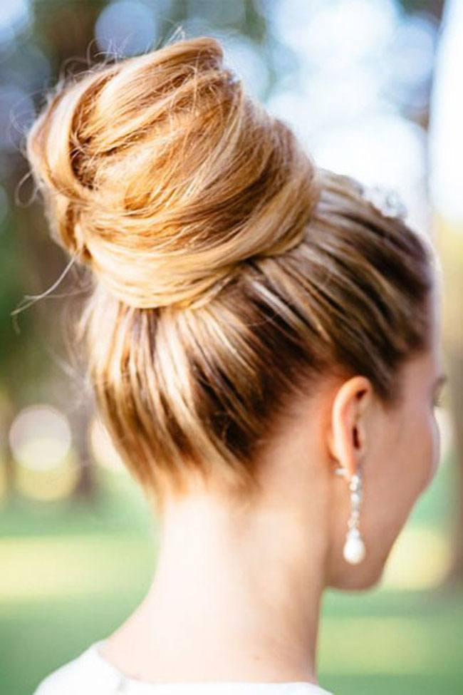 Top 5 Ways To Make Messy Buns In Under 5 Minutes