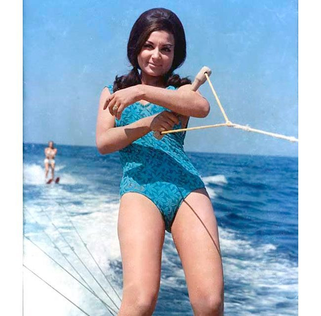 Sharmila Tagore Bollywood Fashionistas of 70s