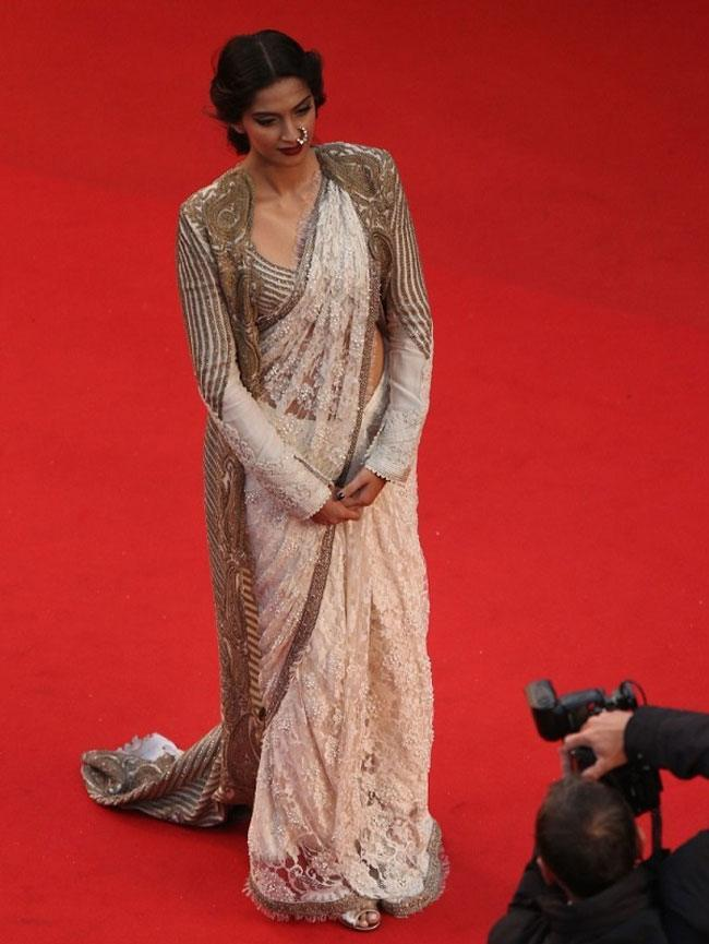 Sonam Kapoor in Anamika Khanna creation at Cannes