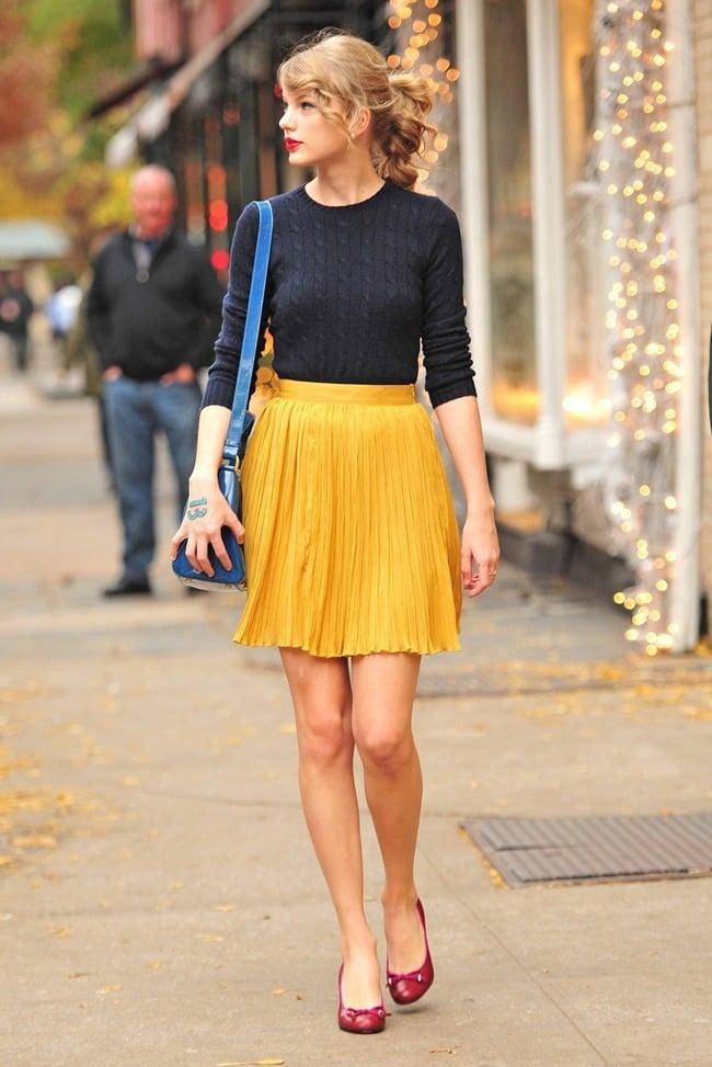 : Taylor Swift Messy Bun Hairstyle