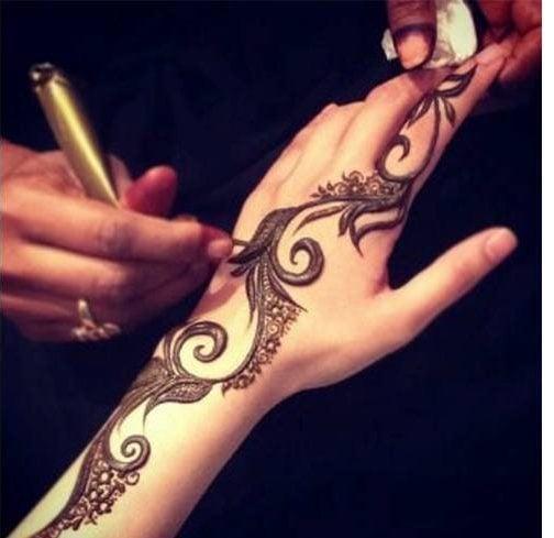 Simple mehndi design for eid