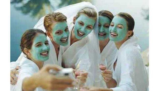 selfies at spa parties