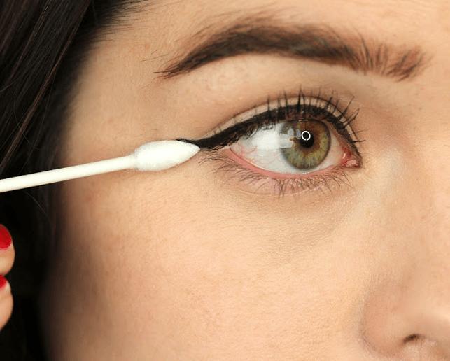 Correct Eyeliner