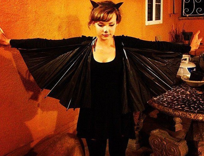 How to make a bat costume from home