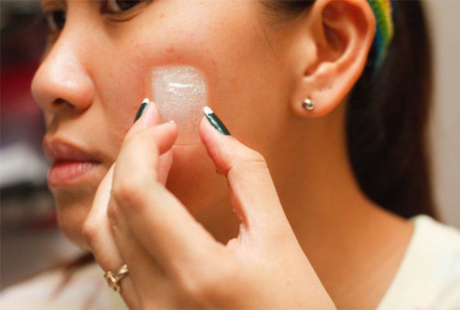 Use Ice to Control Pimples