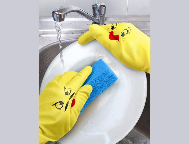 Wear Dish Gloves