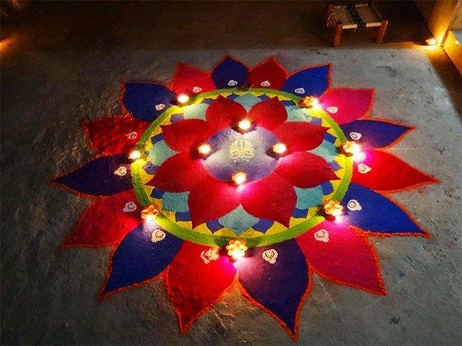 Ragoli design with diyas