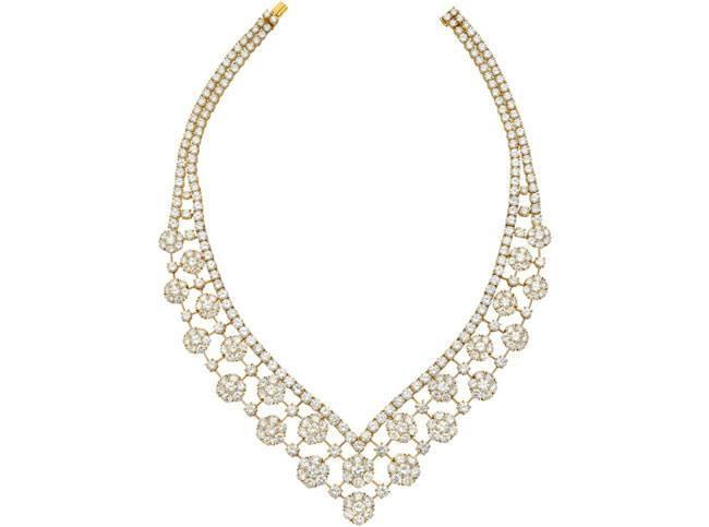 van cleef arpels diamond snowflake necklace