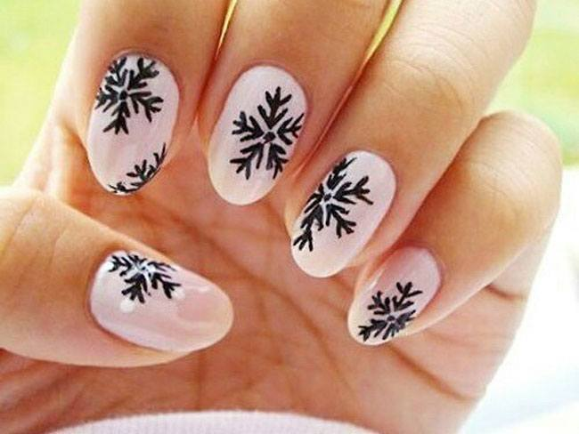 Breathtaking Christmas Nail Art-