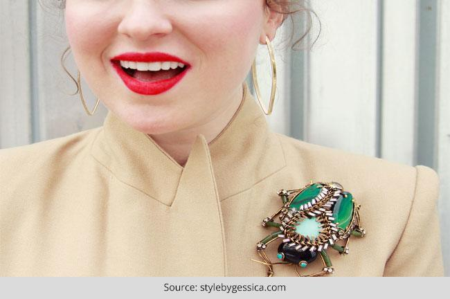 How to Wear a Brooch with Different Types of Clothing