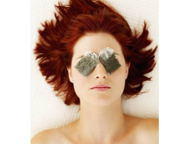 Tea-bags-to-heal-eye-bags