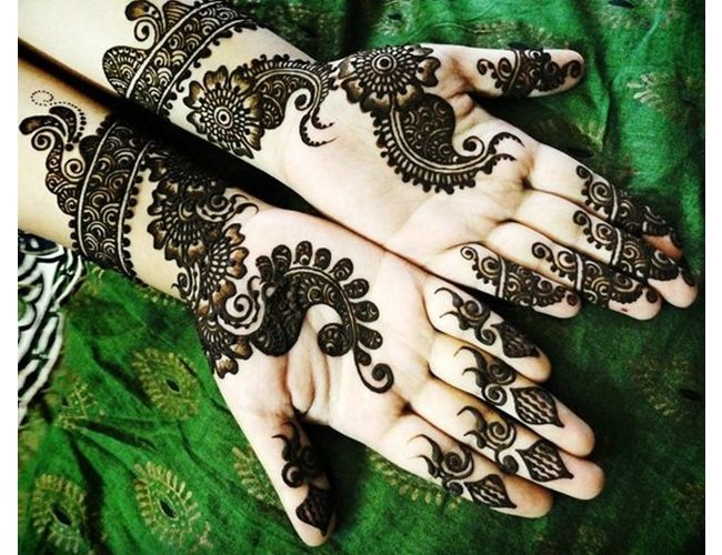 32 latest arabic mehndi designs to inspire from. Black Bedroom Furniture Sets. Home Design Ideas
