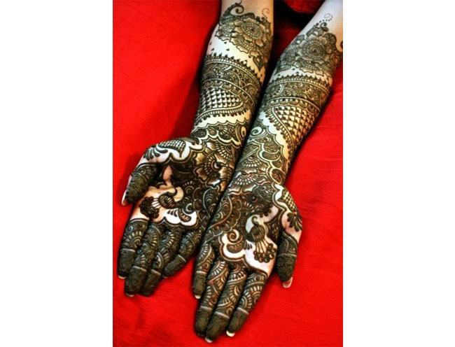 mehndi in Indian marriages