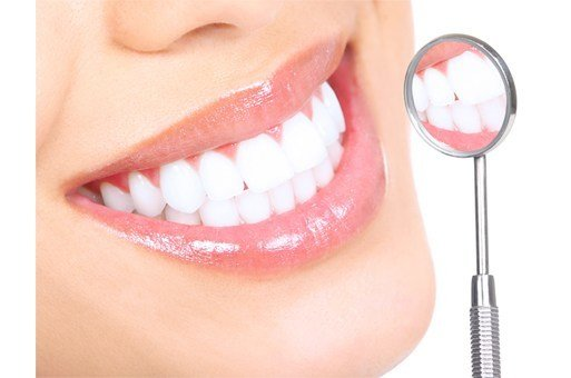 5 Inexpensive Home Remedies for Whiter Teeth