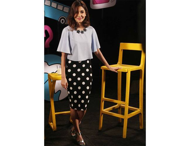 Anushka-Sharma-in-a-kimono-style-crop-top-and-a-polka-dot-skirt-from-Koovs-at-a-Disney-event