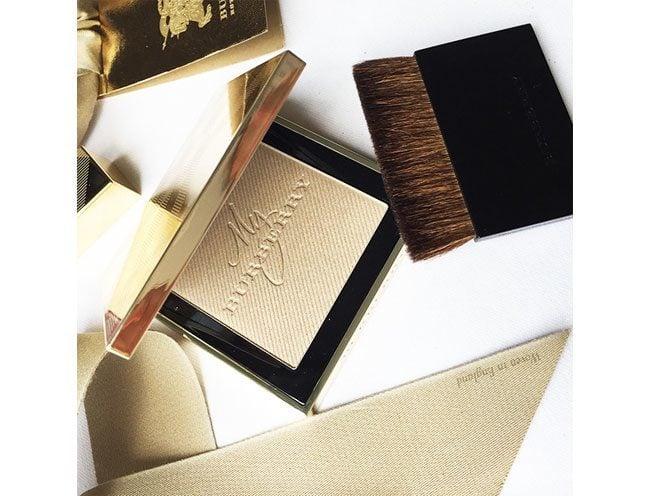Burberry Gold Glow Fragranced Luminizing Powder