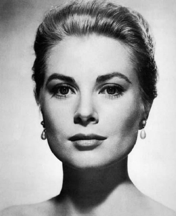 Grace Kelly Contoured Face Makeup with Blush