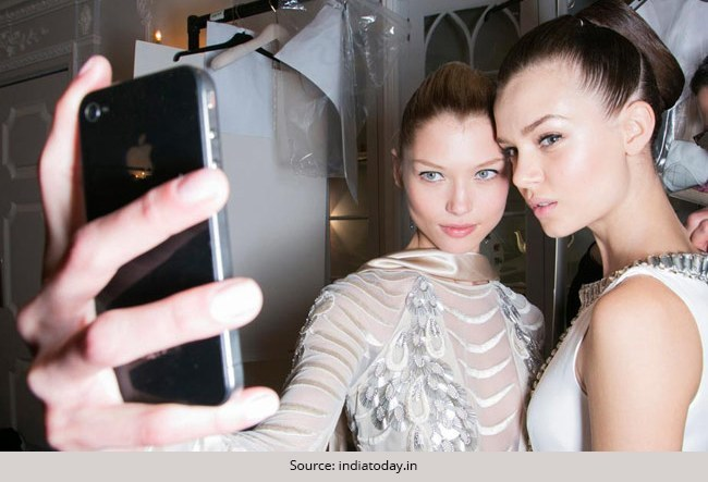 Top 6 Selfie Makeup Tips: Try these Tricks to Look Beautiful in Pictures