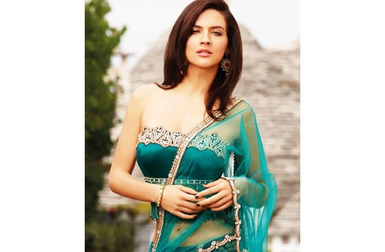 Fashion Designing Blouse Models