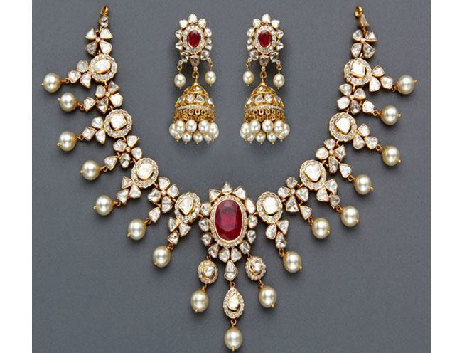 Where to Buy Pearls in Hyderabad
