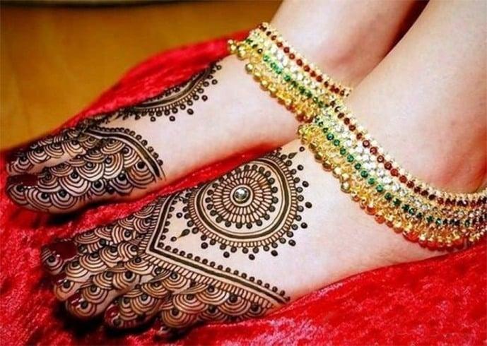 Mehendi Design For Legs