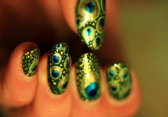 Fantastic Peacock Feather Nail Art