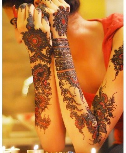 Pakistani mehendi elaborate designs