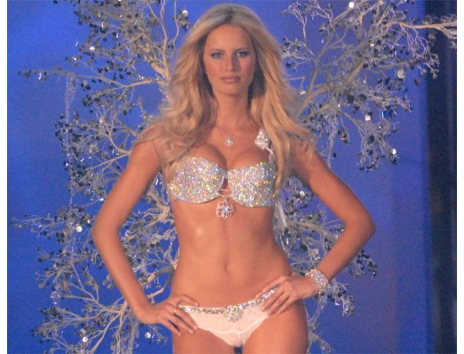 Cup Bra With Ribbon Trim