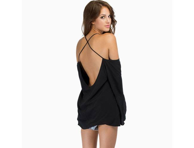 loose backless top or dress