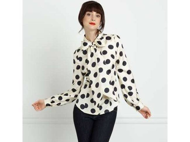 The dotted blouse