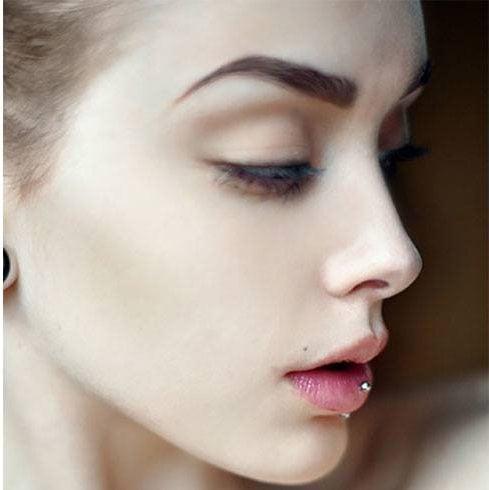 Women Eyebrow Tattooing