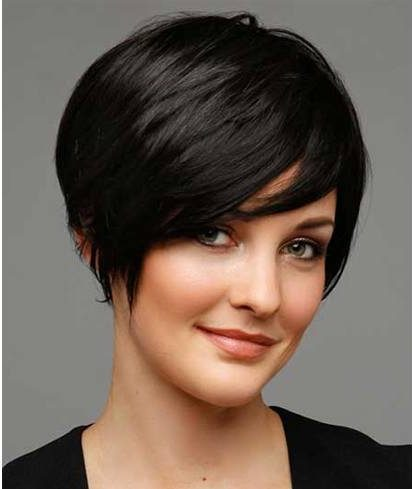 Let's look at some more short hairstyles with bangs: