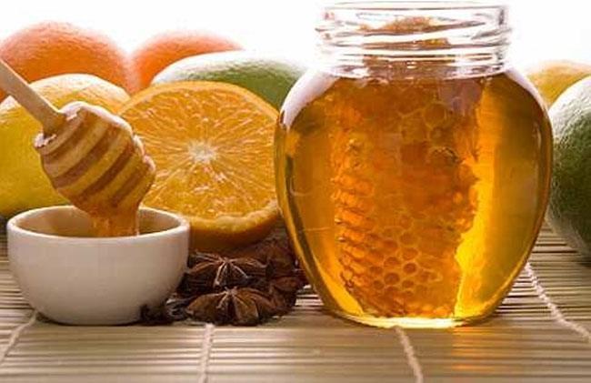 Crystallized raw honey scrub