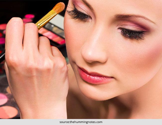How to Choose the Right Eye Shadow