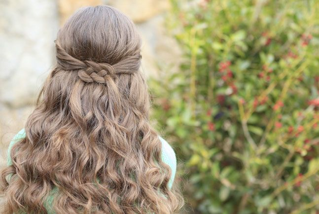 Knotted hairstyle with a bow