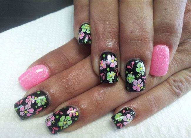 7 Flower Nail Art Designs For Your Inspiration