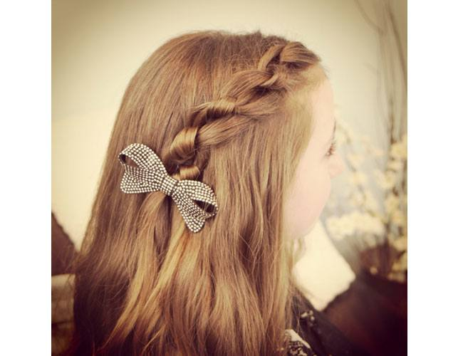 Hairstyles For Long Hair Knots : Single Celtic Knot or the Infinity Knot Hairstyle
