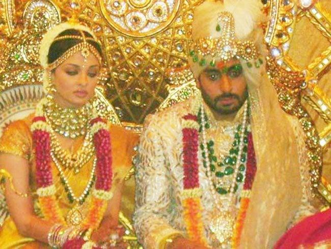 Aishwarya Rai and Abhishek Bachchan Celebrate Their 8th Wedding Anniversary! (7)